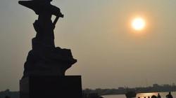 Đêm sông Nhật Lệ lung linh, nhớ Mẹ Suốt!