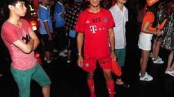 Fan Bayern Munich chạy bộ 60km... đón Man City
