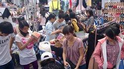 Chợ phiên Sài Gòn bùng nổ thời bão giá