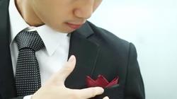 Cách gấp khăn cài áo vest cực đơn giản và đẹp mắt