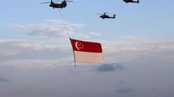 """Singapore: """"Chấm đỏ nhỏ"""" bừng sáng sau 50 năm"""