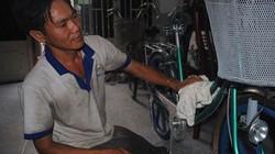 10 năm ở trọ, gom góp tặng xe đạp cho học trò nghèo