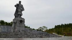 """Thăm tượng đài """"Hoàng đế"""" Quang Trung ở núi Bân"""