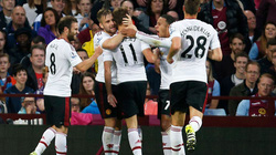 Hạ Aston Villa, M.U tạo ra kỳ tích ở Premier League
