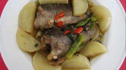 Béo thơm cá rô đồng kho củ cải trắng