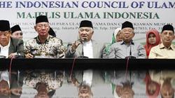 """Indonesia: Thợ mộc tên """"Trời"""" bị ép đổi tên"""