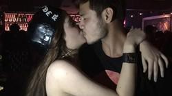 """Lộ ảnh hôn môi, """"bạn trai"""" Andrea phủ nhận mối quan hệ"""