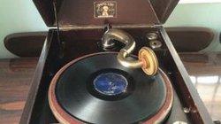 Chạnh lòng nhớ máy hát đĩa năm xưa