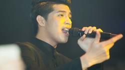 Noo Phước Thịnh nhễ nhại mồ hôi, nhảy sung trên sân khấu