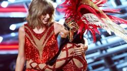 Taylor Swift hóa giải hiềm khích trên sân khấu VMA 2015