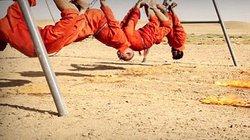 IS treo ngược và thiêu sống tù nhân