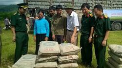 Hỗ trợ xi măng cho hộ nghèo biên giới