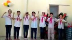 """Clip: Học sinh khiếm thính """"hát"""" Quốc ca ngày khai giảng"""