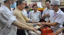 Tạm đình chỉ cơ sở bánh Trung thu HOT nhất Hà Nội