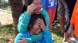 Đẫm nước mắt đón thi thể 11 thuyền viên trên tàu cá bị nổ