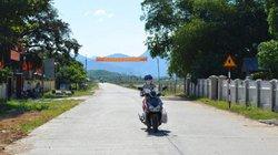 """Quảng Nam: Nhiều người dân đến UBND huyện """"đòi"""" tiền đền bù đất"""