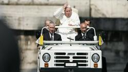 Top 10 xe hơi ấn tượng dùng để đưa đón Giáo hoàng