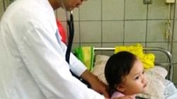Hà Nội: Thêm một bé gái 4 tuổi uống nhầm dầu máy