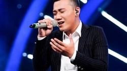 """""""Chàng trai bán bún bò"""" gây ấn tượng trên sân khấu Vietnam Idol"""