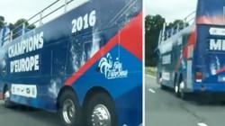 Người Pháp chuẩn bị xe bus mừng chiến thắng trước chung kết