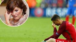 "Mẹ Ronaldo ""cáu tiết"" khi con trai bị triệt hạ"