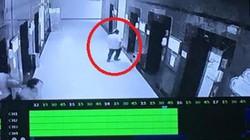 Cướp xịt hơi cay, giật điện thoại ở thang máy chung cư