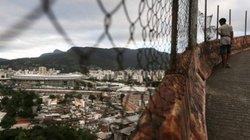 Cuộc sống tại khu ổ chuột sát SVĐ Olympic ở Brazil