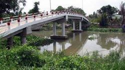 Sông nước nhớ ông Đâu xây cầu...