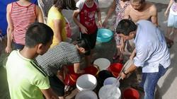 Vỡ ống nước sông Đà, dân Thủ đô xách nước như thời bao cấp