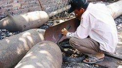 Quảng Nam: Lén lút cưa bom bi, một người tử vong