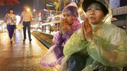 Ảnh: Biển người đội mưa nghe giảng kinh Vu Lan ở Hà Nội