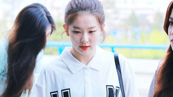 """""""Học lỏm"""" street style của sao Hàn"""