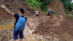Ảnh: Lội bùn 18km vào hiện trường lũ quét mỏ vàng, nhiều người chết