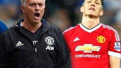 """Mourinho tức """"sôi máu"""" vì thói gan lì của Schweinsteiger"""