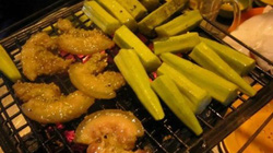 Thưởng thức đủ loại thịt nướng thơm nức ở quán ăn giá rẻ Sài Gòn