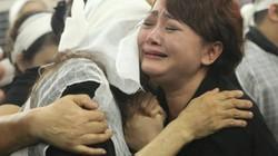 Vợ con khóc lặng trong lễ viếng nghệ sĩ Hán Văn Tình
