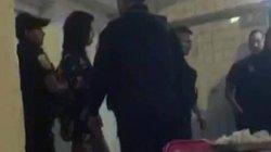 Cặp du khách bị bắt vì có hành vi kích dục trong nhà hàng
