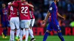 Clip Barcelona thua sốc trên sân nhà trước tân binh Alaves