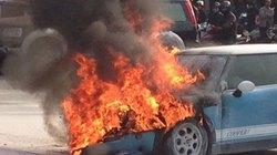 Cháy ô tô tại sân bay Nội Bài, tài xế tử vong