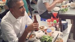 Clip: Ông Obama cười tươi ăn bún chả Hà Nội trên truyền hình Mỹ