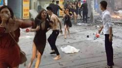 Clip: Nhân chứng kể phút khách chạy khỏi quán karaoke bốc cháy ở HN