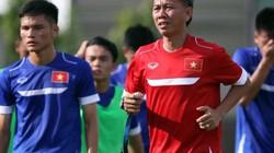 """U19 Việt Nam thua thảm, NHM """"ném đá"""" HLV Hoàng Anh Tuấn"""
