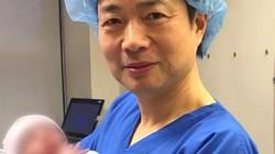 Đứa trẻ đầu tiên thế giới do 3 người sinh ra