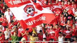 CĐV bóng đá Việt Nam tụ hội ở Lạch Tray, tung hô á quân V.League