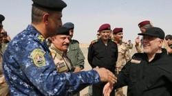 Thủ tướng Iraq ra tận chiến tuyến mừng quân sĩ đánh thắng IS
