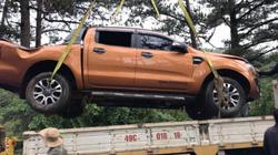 Ô tô lao xuống đèo Prenn, 3 người may mắn thoát nạn ngoạn mục