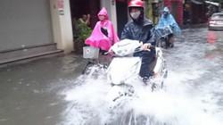 Mưa lớn liên tiếp tại miền Bắc và Hà Nội: 4-5 ngày tới mới hết mưa