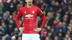 """CHUYỂN NHƯỢNG (15.7): Mourinho """"tái hôn"""" với Ibrahimovic, Smalling """"hết đất sống"""" ở M.U"""