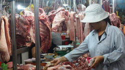Giá lợn hôm nay 29.7: Giá thịt bán lẻ tăng, lợn hơi giảm, C.P không đủ sức thao thúng thị trường?