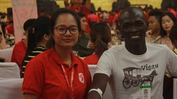 Gặp chàng trai người Kenya hiến máu trên đất Việt